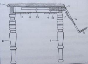 Stół z pulpitem na książkę ;) Autor: Mary Claxton.